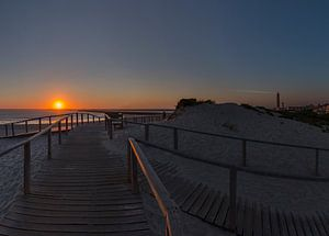 Zonsondergang, Praia do Paredão,  Farol da Barra, strand en vuurtoren, Praia da Barra,  Aveiro, Beir