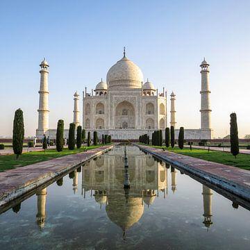 Taj Mahal spiegelt sich im Wasser von Niels Eric Fotografie