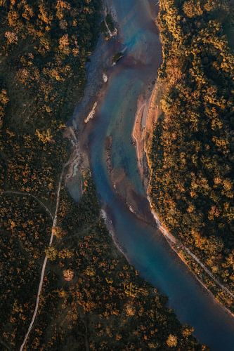Rivier van boven af vanuit luchtballon in Laos