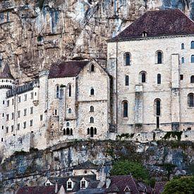 Medieval Facade of the French Castle Rocamadour (Lot) van Silva Wischeropp