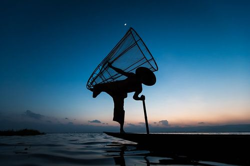 Traditionele visser op het INLE lake in Myanmar