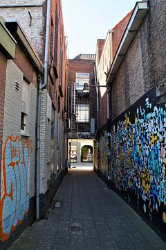 Achterafstraat / Backstreet Breda van Maurits Bredius