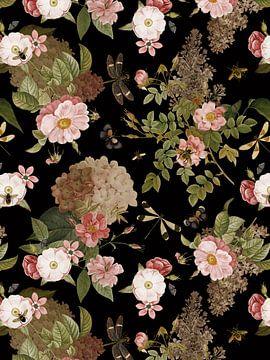 Mitternachts Sommer Rosen Garten von Uta Naumann