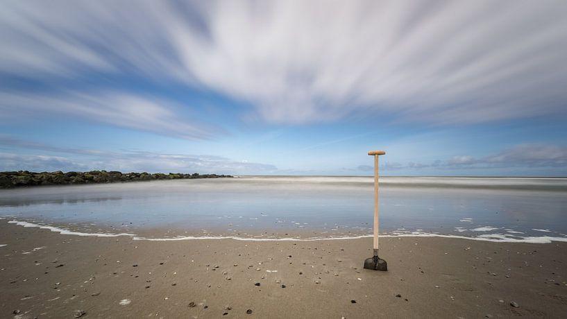 Schep aan de Texelse kust van Martijn van Dellen