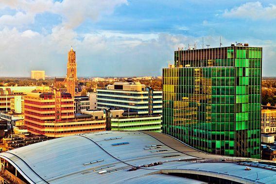 Oud en nieuw Utrecht in avondlicht