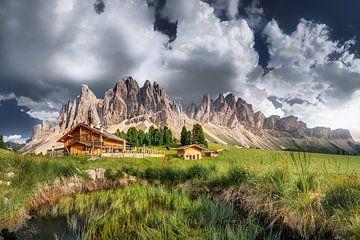Almhütte an den Geislerspitzen in den Dolomiten von Voss Fine Art Photography
