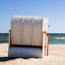 Ein Strandkorb am Meer von Frank Herrmann