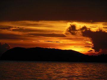 Sunset thailand van Joelle van Buren