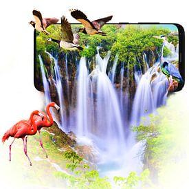 Waterval die uit een smartphone komt van Jennifer Hendriks