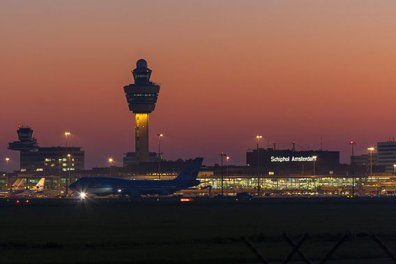 Zomeravond op Schiphol Airport, Amsterdam
