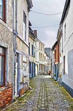 Straatje in Dinant, Belgie van Frans Blok