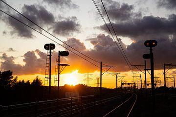 Zonsondergang boven het spoor van Stefan Verkerk