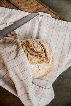 Vers gebakken brood. van louise overhaus