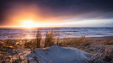Zonsondergang na de storm von Martijn Kort