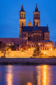 Maagdenburg in de avond van Martin Wasilewski