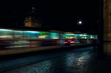Tramway de Prague dans la soirée sur Anouschka Hendriks