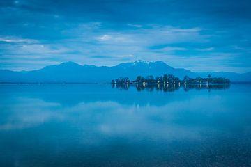 Blaue Stunde am Chiemsee von Martin Wasilewski
