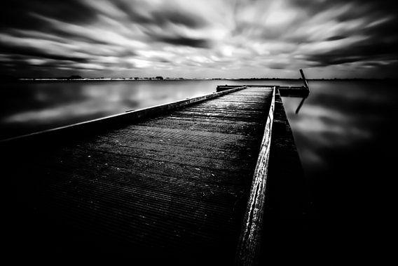 Boardwalk II van Cho Tang