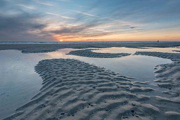 Strand bei Sonnenuntergang in Westenschouwen von Jan Poppe