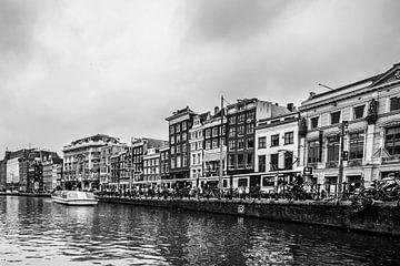Amsterdamse Grachten sur Thomas van der Willik