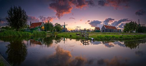 Panorama photo of windmillparc Zaanse Schans