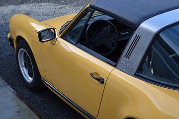 Porsche 911 Carrera 3.0 Targa in Talbot Gelb von Rick Wolterink