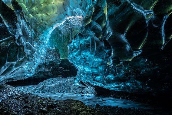 Schateiland, de veelkleurige grot