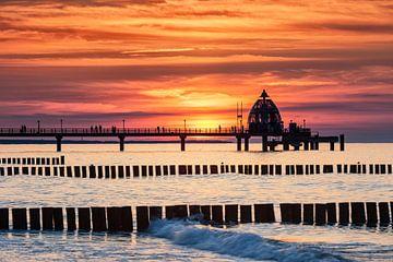 Seebrücke Zingst im Abendrot von Tilo Grellmann | Photography