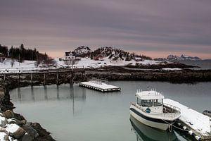 Jachthaven in Botnhamn op het eiland Senja van
