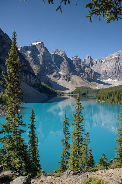 Morraine Lake in de Canadese Rocky Mountains, staand von Arjen Tjallema