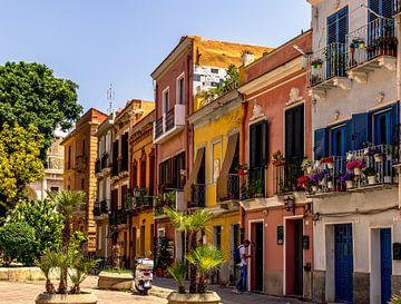 Gekleurde huizen van Cagliari van Rene Siebring