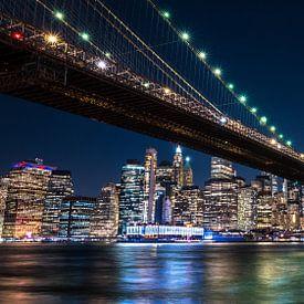 Een blik op New York City en de Brooklyn Bridge van Koen Hoekemeijer