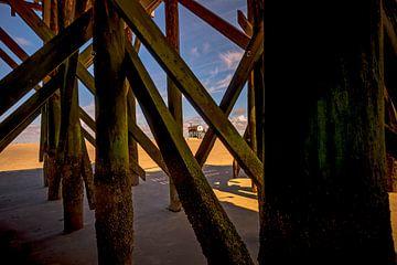 Traditionelle Stelzenbauten am Strand von St. Peter-Ording