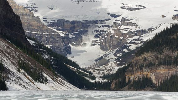 Avalanche in Lake Louise van C.A. Maas