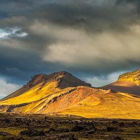 Landschap in het binnenland van IJsland van Chris Stenger