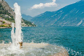 Berge bei Limone sul Garda am Gardasee von Fotografiecor .nl