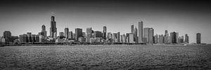 CHICAGO Skyline Panoramic bw