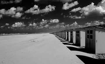 Strandhuisjes Texel bij Paal 28 van Barend Koper