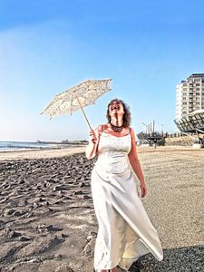 De lachende bruid (2016, kleur) van