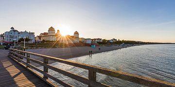 La station balnéaire de Binz sur l'île de Rügen au coucher du soleil sur Werner Dieterich