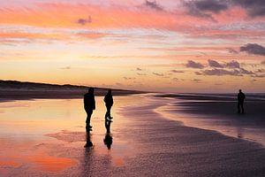 Avondrood op het strand van Ameland van