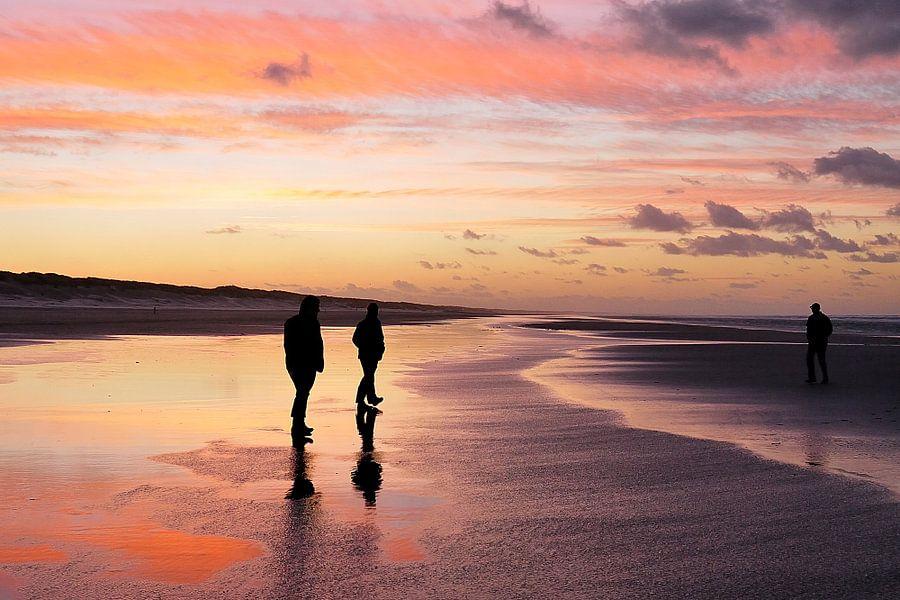 Avondrood op het strand van Ameland