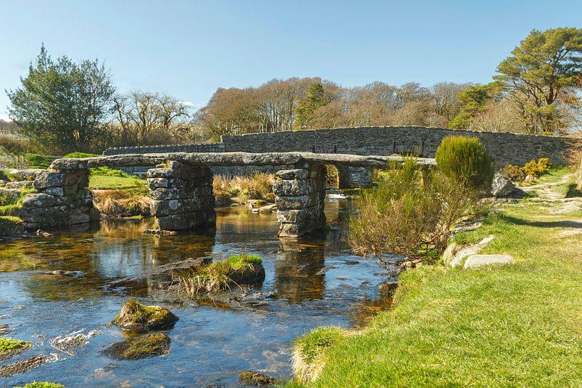 Historische Steinbrücke in Dartmoor National Park, England von Mieneke Andeweg-van Rijn