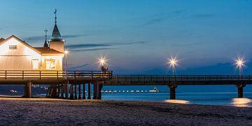 Historische Seebrücke Ahlbeck auf Usedom am Abend von Werner Dieterich