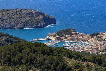Gezicht op Port de Soller op het Baleareneiland Mallorca van Reiner Conrad