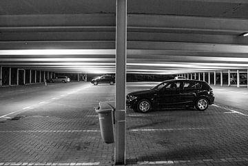 Nachts unter dem Parkdeck von Norbert Sülzner