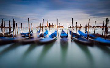 Gondoles à Venise von Arnaud Bertrande