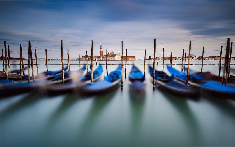 Gondoles à Venise van Arnaud Bertrande