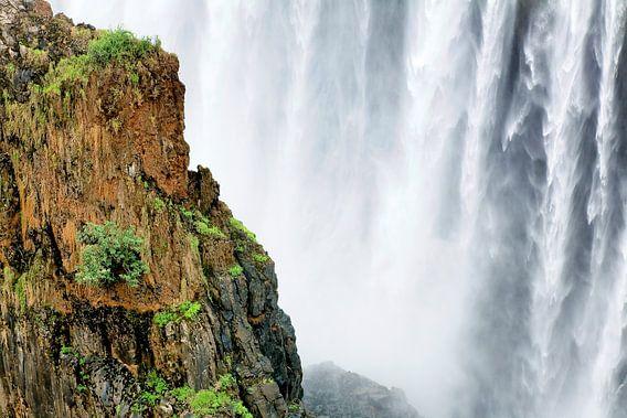 De Victoria watervallen bij Livingstone en Victoria Falls van Evert Jan Luchies