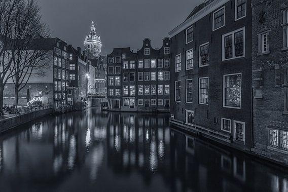 Oudezijds Voorburgwal en Zeedijk in Amsterdam - 4